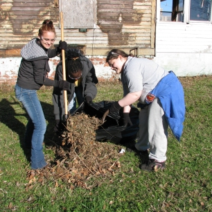 youthbuild - house cleanup - f12 (4)